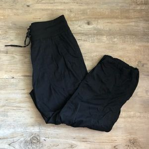 ⬇️ $36 The North Face Afrodite Joggers Black
